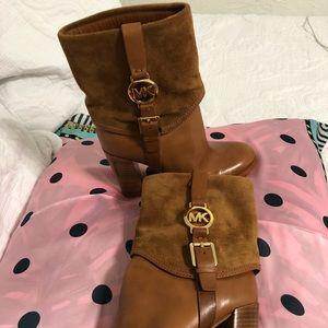 Michael Kors Fulton Bootie Boots color Camel